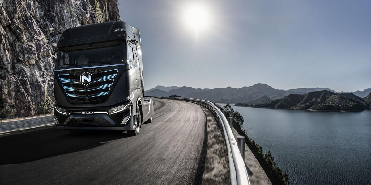 """CNH Industrial a Nikola společně sponzorují """"dekarbonizaci těžké dopravy a roli vodíku"""""""